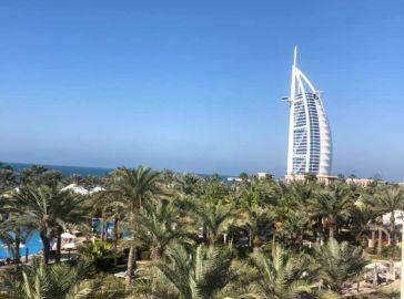 Дубай през август на море
